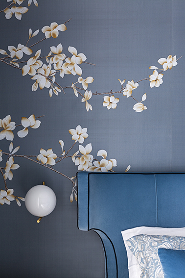 White Magnolia, background color Dupion Silk, MDS059
